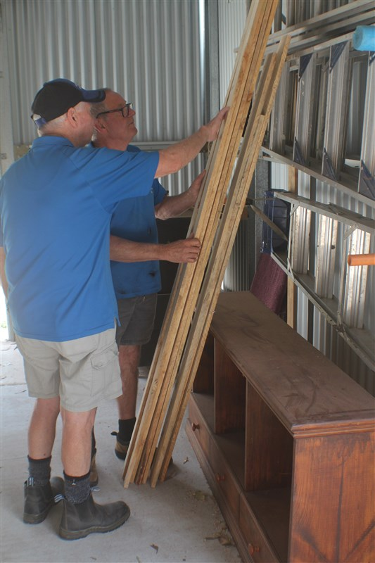 Preparing re-cycled timber for a project